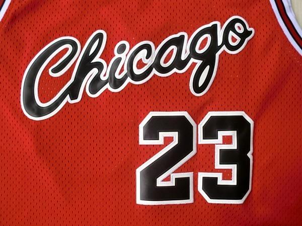 Баскетбольная майка NBA Чикаго Буллз 1973-74 № 23 Джордан Майкл красная  SWINGMAN RETRO 426ae13a0a5