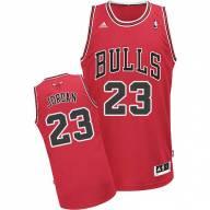 Баскетбольная майка NBA Чикаго Буллз № 23 Джордан Майкл красная SWINGMAN  RETRO 4f5bb5c2128
